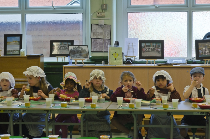 Infant dinner time hall